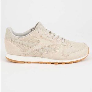 0b9d7925987 Reebok Shoes - Reebok Classic Leather Clean Exotics Shoe